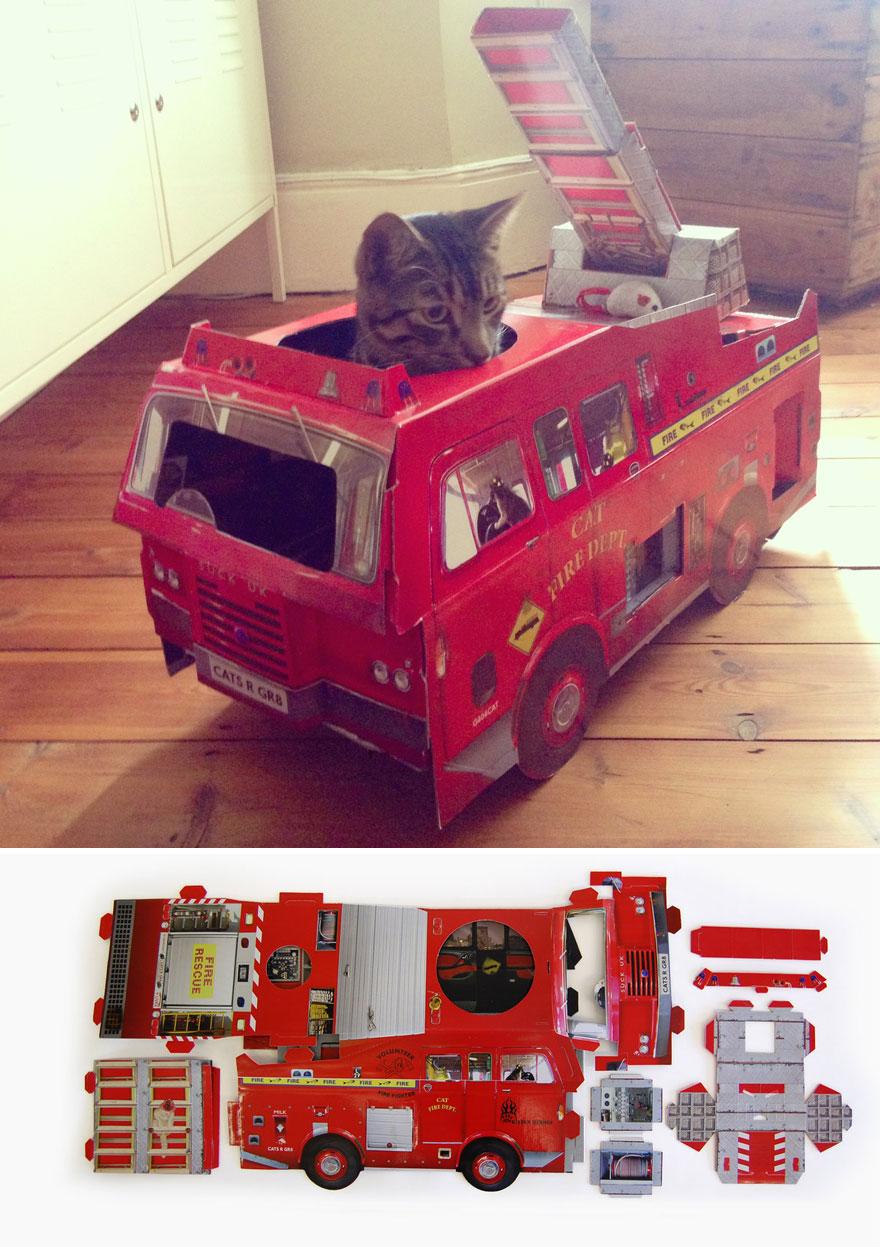 cat-playhouse-scratching-toys-5